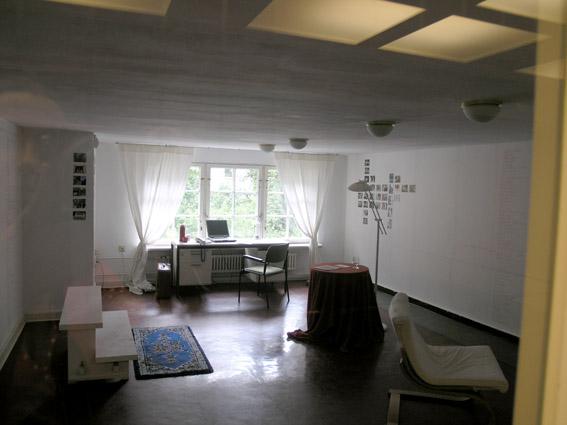 Ich habe noch einen KOffer in Berlin, 2010 | Ir a la ficha del Artista 'Rosa María Rodriguez Mesa - rosa mesa'