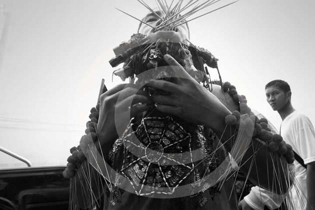 2 SERIE RITUALES DE ASIA | Ir a la ficha del Artista 'Javier Sánchez-Monge'