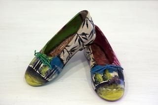 zapatos niña | Ir a la ficha del Artista 'Pep Guerrero'