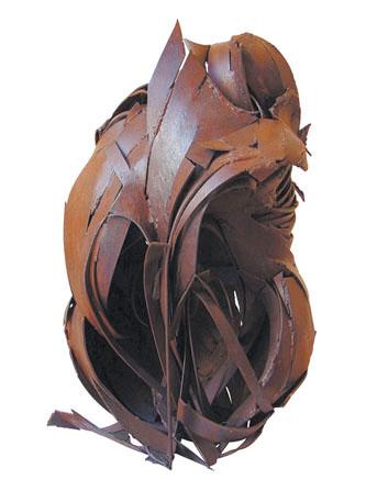 Madre crisálida. Hierro. 2001. 78x54x60