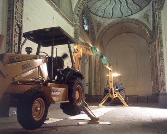 Esgrima. 2001 . Acción, instalación.