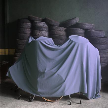 Serie, Dentro, Debajo, Detrás | Ir a la ficha del Artista 'Julio Lopez Saguar'