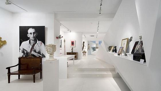 Vista general de la galería | Ir a la ficha de 'Colección Valzuela'. Organización con colección
