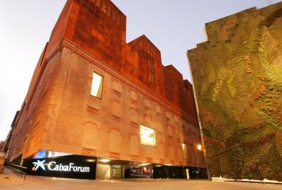 Fundaci n la caixa caixaforum madrid centro y salas de for Jardin vertical caixaforum