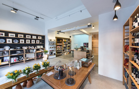 Vista de la tienda de La Fábrica | Ir a la ficha de 'La Fábrica'. Galería de arte, Centro cultural