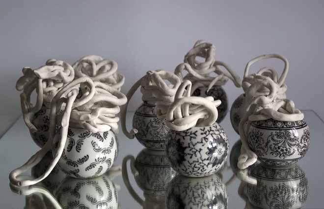 Concha García Bombas, 2012. Cerámica y porcelana | Ir a la ficha de 'Galeria Pilar Serra'. Galería de arte
