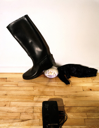 Tony Oursler, Boot, 1995