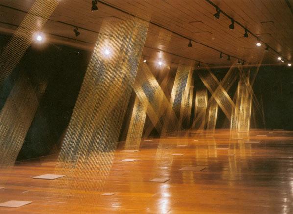 Lygia Pape, Ttéia Quadeada, 1976-2002 | Ir al evento: 'Lygia Pape. Espacio imantado'. Exposición en Museo Nacional Centro de Arte Reina Sofía (MNCARS) Madrid, España