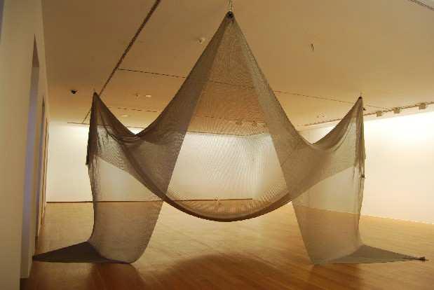 Amaya González Reyes, Tender la red -trampa escultórica-, 2011