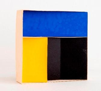 Construcción modulada, 1970. Maqueta en cartulina, 120 x 120 x 30 mm