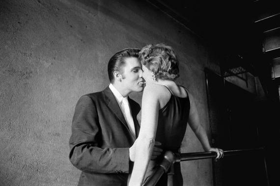 Alfred Wertheimer, Elvis, el beso, 1956