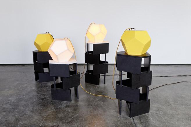 Angela Bulloch, Irregular y regular totems, 2013