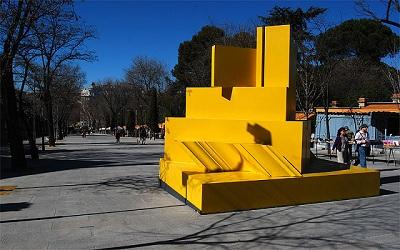 Amarillo, de Gerardo Rueda en la Cuesta de Moyano. Madrid 2009 | El IVAM y la Fundación Gerardo Rueda, unidos por el legado Rueda
