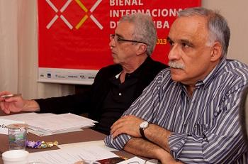 Los curadores generales Teixeira Coelho y Ticio Escobar.  Foto de Rodrigo Cardos | Arranca la Bienal del Museo del Barrio y se aproxima la Bienal de Curitiba