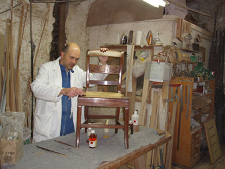 Restaura joan benoit tasaciones arteinformado - Taller restauracion muebles ...