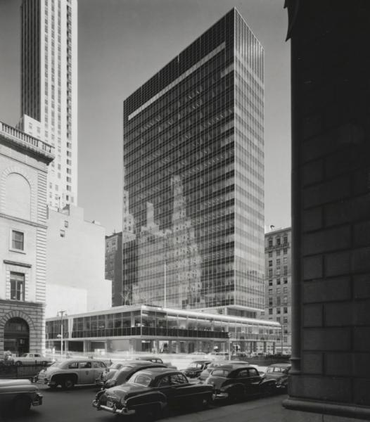 2. Fragmento de ciudad- Lever House, NYC Foto Ezra Stoller