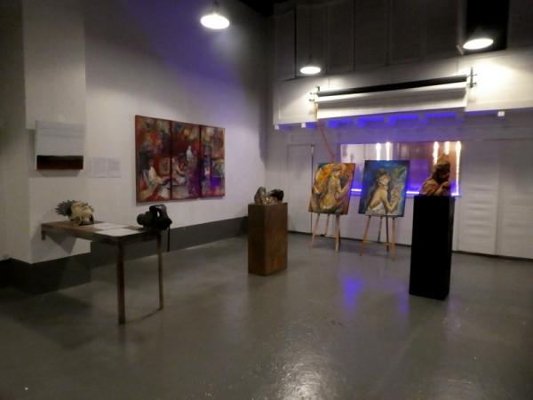 Una de las salas de la exposición en Loft A46 de Montreux, Suisse