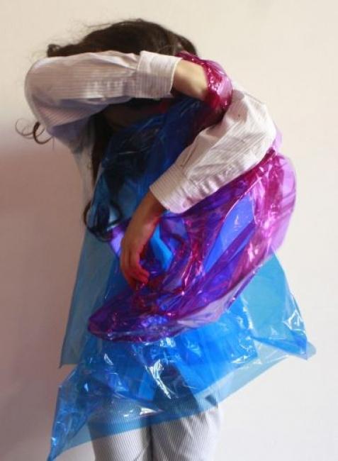 Exposição 'Corpos que percorrem um espaço dividido'. Imagem: Gabriela Souza.  Read more: http://www.funarte.gov.br/artes-visuais/funarte-sao-paulo-recebe-exposicao-%e2%80%98corpos-que-percorrem-um-espaco-dividido%e2%80%99/#ixzz4vI08m0fD Follow us: funarte