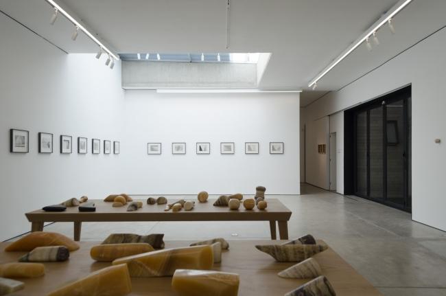 Vista de la exposición — Cortesía de arróniz arte contemporáneo