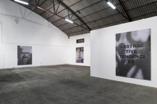 """Vista de """"Hi-Speed Contrast"""". Cortesía de la galería Parra&Romero"""