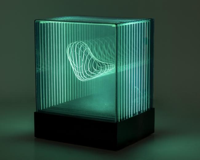 Diego Moya, Caja de Luz | Ir al evento: 'Geometría & plexiglás [circa 1970]'. Exposición en José de la Mano / Madrid, España