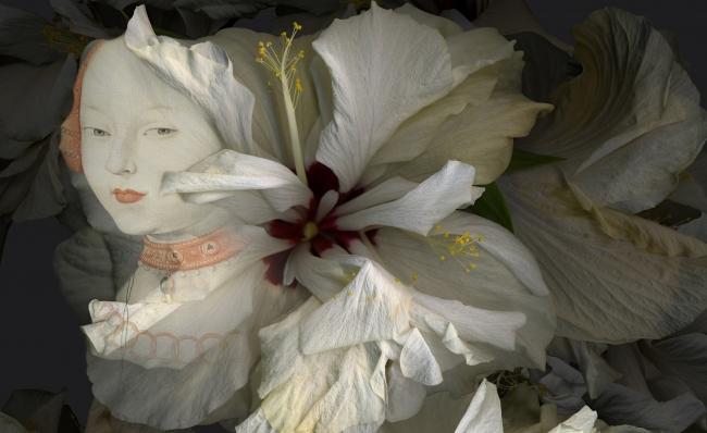 Paloma Navares. Hibiscus blancos. Canción de primavera, 2017 (detalle). Cortesía del Museo Thyssen