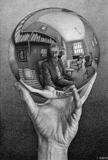 Mano con esfera reflectante. Maurits Cornelis Escher, 1935. Litografia, 31,1x21,3 cm. Fondazione M.C. Escher. All M.C. Escher works © 2016 The M.C. Escher Company The Netherlands. All rights reserved