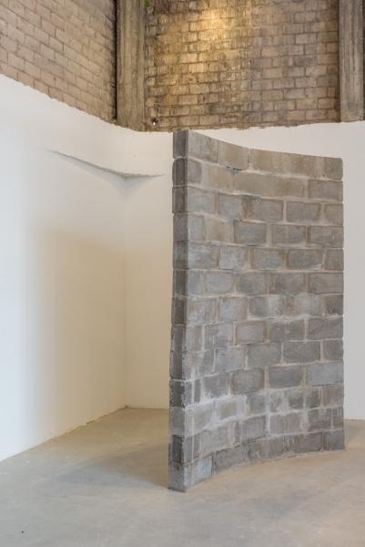 Dislocación 2 | Ir al evento: 'Defectos Lineales o Dislocaciones'. Exposición de Escultura, Pintura en Espacio Odeón / Bogotá, Distrito Especial, Colombia