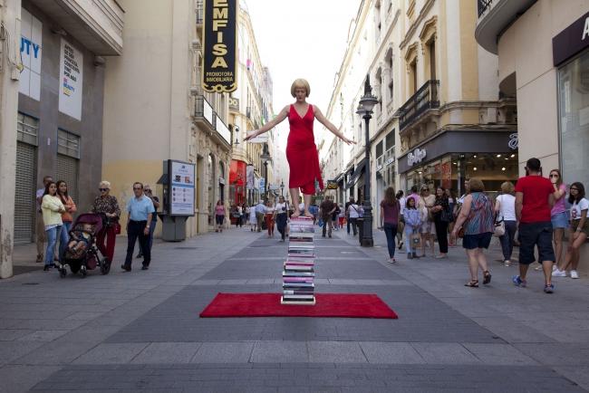 Performance ArtNow – Cortesía de MAV Asociación de Mujeres en las Artes Visuales Contemporáneas | Ir al evento: 'Foro MAV 2017'. Congreso en Espacios de Sevilla y Madrid / Madrid, España