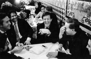 John Cage en el Café de Tacuba en 1968. Cortesía del Museo Jumex