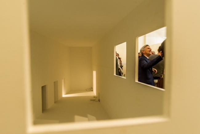 Vista de la exposición durante la inauguración – Cortesía de SCULTO Feria de Escultura