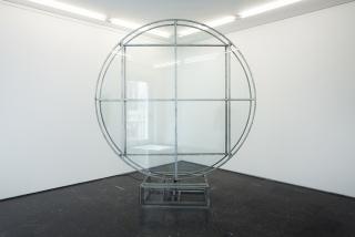 Lolo & Sosaku, Disco cristal, 2018. Perfil meta?lico 20 x 20 x 2 mm – Cortesía de la galería Luis Adelantado