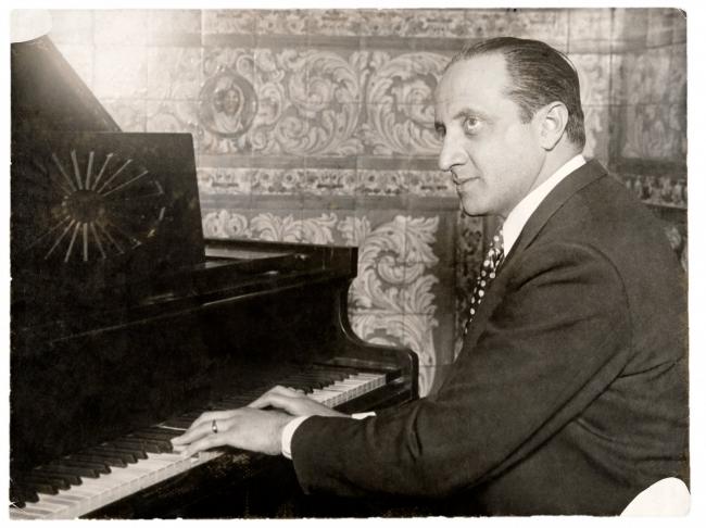 Gerardo Matos Rodríguez. Montevideo. Década de 1930. (Foto: Archivo Matos Rodríguez. Autor: s/d.).