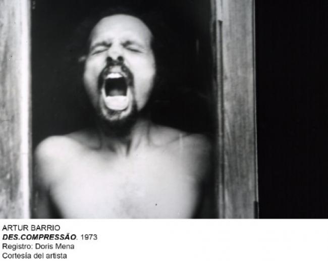Artur Barrio, Des.compressão, 1973. Registro: Doris Mena. Cortesía del artista – Museo Nacional Centro de Arte Reina Sofía