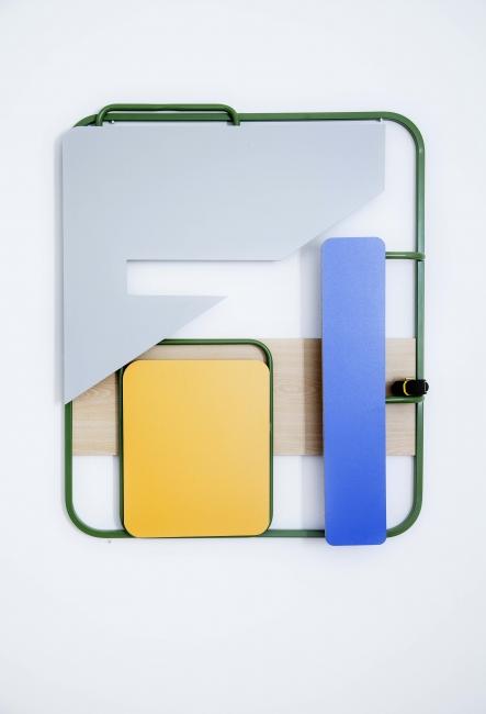 Hisae Ikenaga. Green, blue, grey F tape mesure, 2015, chrome steel, laminated board and tape mesure, 80 x 95 x 9 cm | Ir al evento: 'Sutil Olvido'. Exposición en Max Estrella / Madrid, España