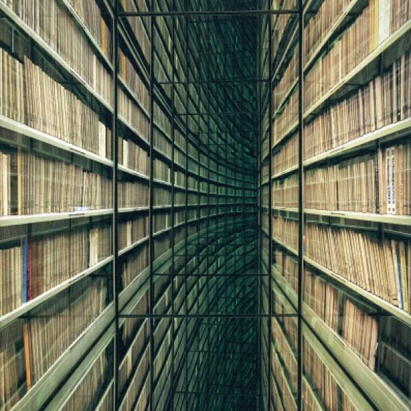 Nicolas Grospierre. El interminable pasillo de libros © Nicolas Grospierre