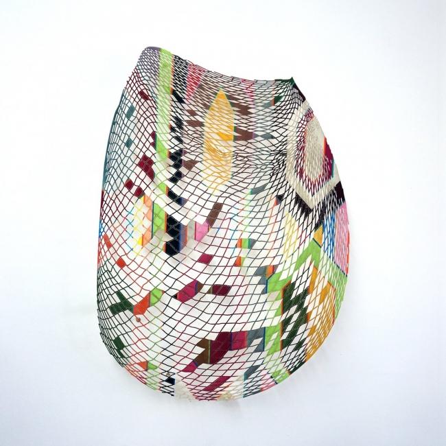"""""""Canasto III"""", 2017. María García Ibáñez // Gouche sobre papel cortado a láser. 110x110 cm."""