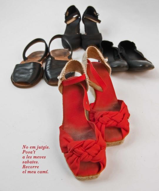 No em jutgis. Posa't a les meves sabates. Recorre el meu camí – Cortesía de la Fundació Setba | Ir al evento: 'De l'ombra a la llum'. Exposición de Fotografía en Gran Teatre del Liceu / Barcelona, España