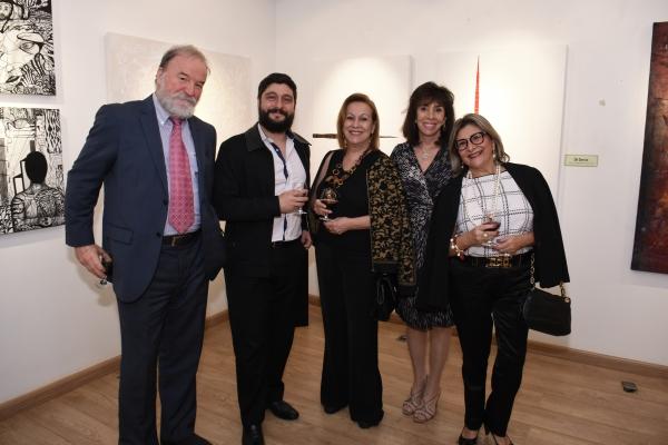 Viktor Samptino e Carla Mourão | Ir al evento: 'Formas e cores'. Exposición de Diseño, Escultura, Pintura en Espacio Uruguay / São Paulo, Sao Paulo, Brasil