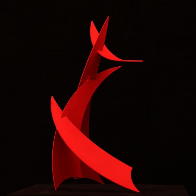 Torii soortando la noche de los vientos | Ir al evento: 'Teo. San José. Esculturas para un jardín Zen'. Exposición de Escultura en Klein-Schreuder parque de esculturas / L' Alfàs del Pi, Alicante, España