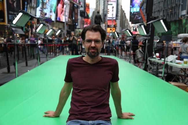 Retrato Daniel Canogar Times Square by Sofía Montenegro – Cortesía de Sala Alcalá 31