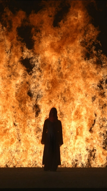 Fire Woman - Bill Viola — Cortesía de Lady Press Agency