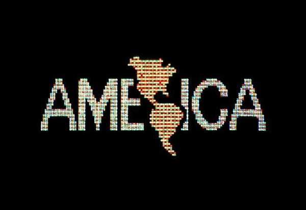 Alfredo Jaar, A Logo for America, 1987/2014. Digital color video, silent, 37.5 sec., edition 2/6. Solomon R. Guggenheim, New York, Gift on the occasion of the Guggenheim UBS MAP Purchase Fund 2014 © Alfredo Jaar