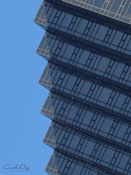 Peaking Edges | Ir al evento: 'Estructuras: Fotografiando las líneas de la Abstracción Geométrica'. Exposición de Fotografía