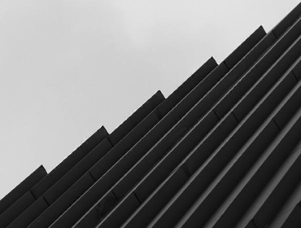 Unaligned | Ir al evento: 'Estructuras: Fotografiando las líneas de la Abstracción Geométrica'. Exposición de Fotografía