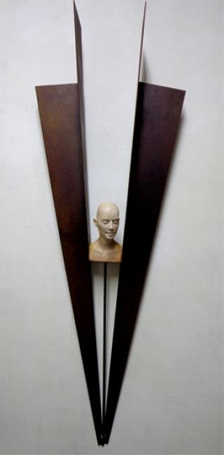 Iván Gómez. Vuelo I. Resina hierro, 112x40x16 – Cortesía de la Galería Orfila