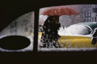 Saul Leiter, Red Umbrella, c.1955 ©Saul Leiter Foundation, Courtesy Gallery FIFTY ONE