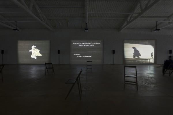 William Kentridge, I Am Not Me, the Horse Is Not Mine (2008) - Fotografía de Eduardo Eckenfels