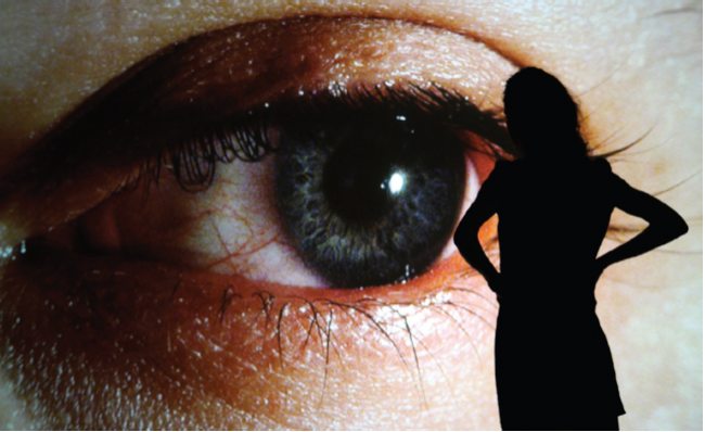 RAFAEL LOZANO-HEMMER, SURFACE TENSION, 1992. Cortesía del MAAT
