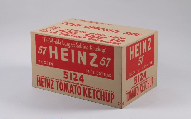 Caja de kétchup Heinz. 1964. Tinta serigráfica y pintura doméstica sobre madera contrachapada. Collection of the Andy Warhol Museum, Pittsburgh © 2017 The Andy Warhol Foundation for the Visual Arts, Inc. / VEGAP | Ir al evento: 'Warhol. El arte mecánico'. Exposición en Fundación La Caixa - CaixaForum / Barcelona, España